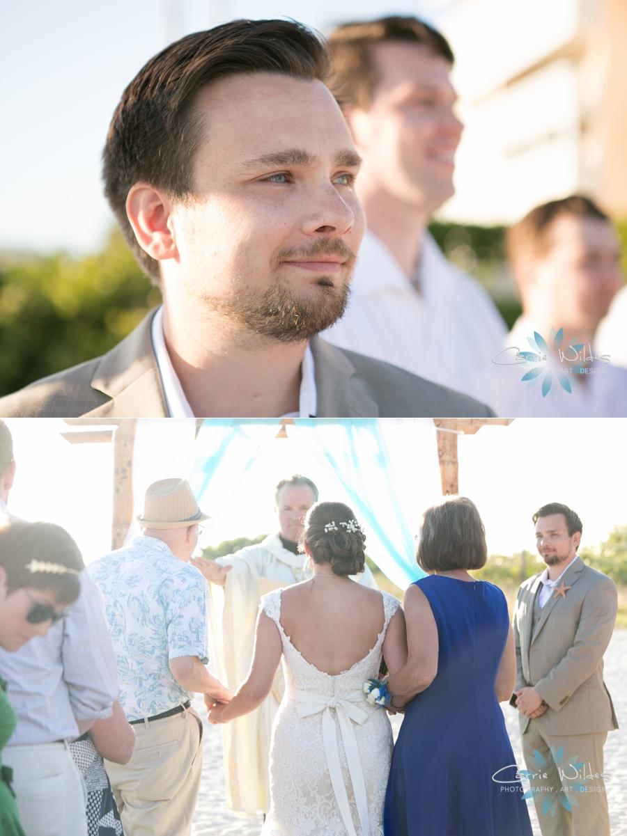 11_6_17 Kelly and Ryan Postcard Inn Wedding_0017.jpg