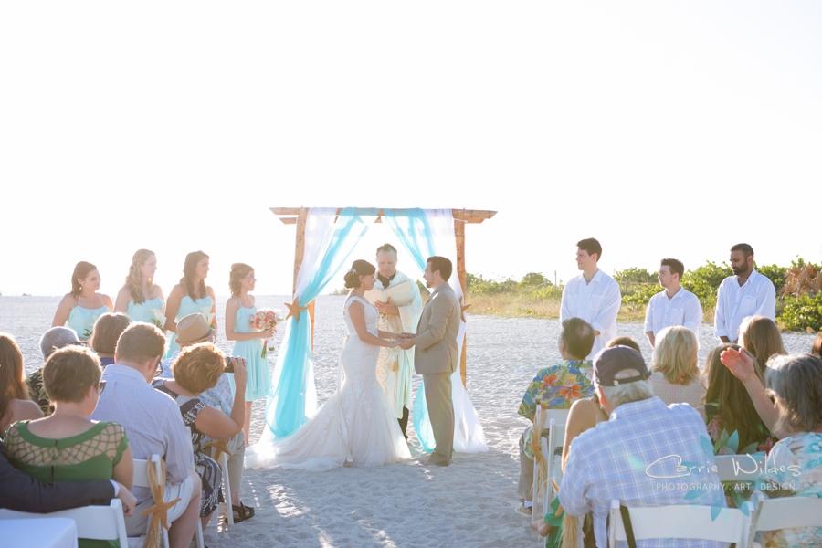 11_6_17 Kelly and Ryan Postcard Inn Wedding_0019.jpg