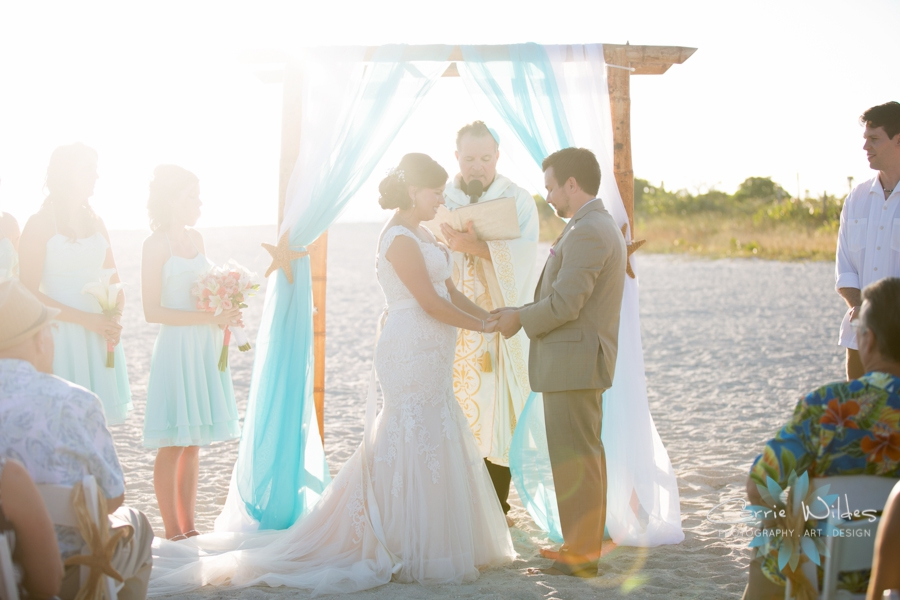 11_6_17 Kelly and Ryan Postcard Inn Wedding_0022.jpg