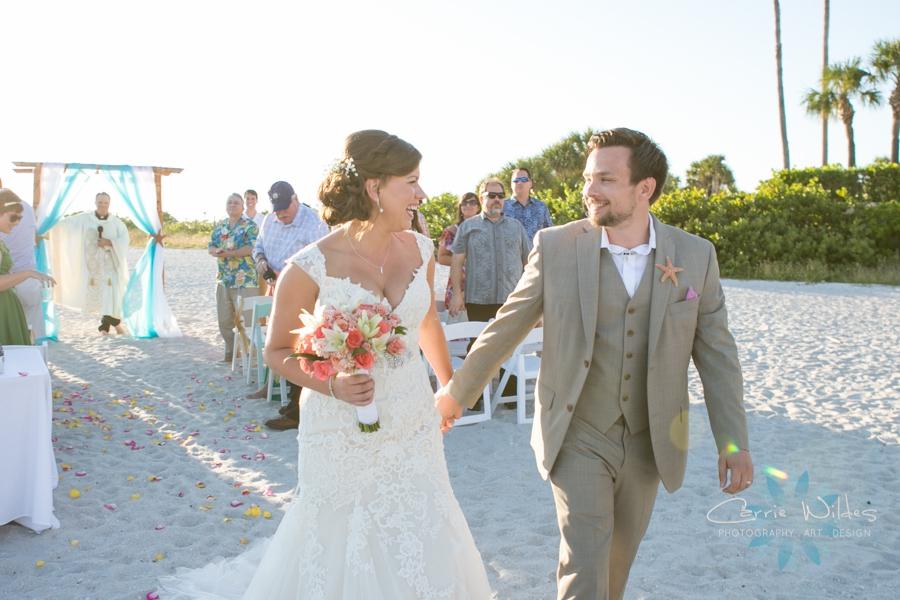 11_6_17 Kelly and Ryan Postcard Inn Wedding_0025.jpg