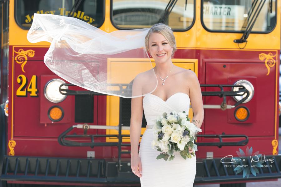 2_17_18 Kristin and Curtis Florida Aquarium Wedding 201.jpg
