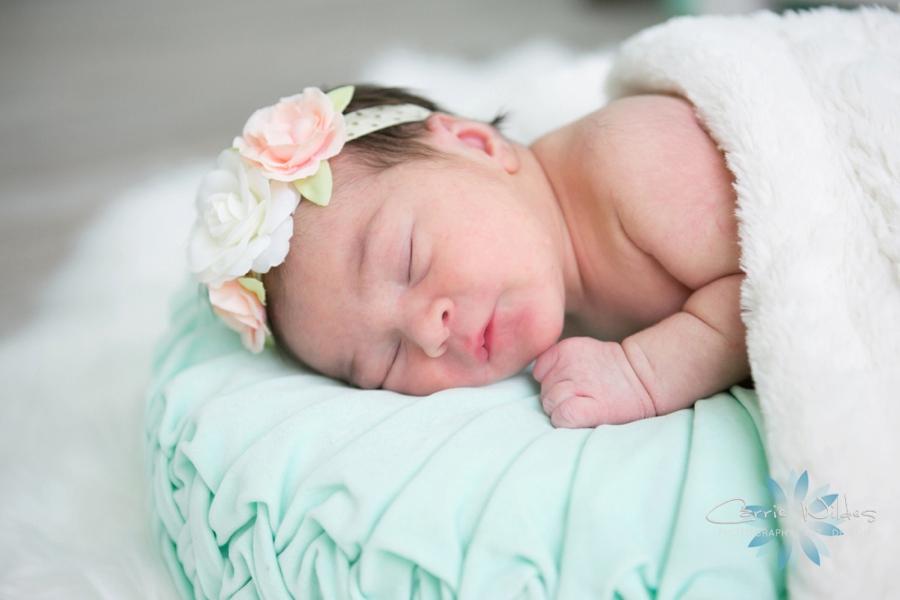 9_5_18 Mireia Tampa Lifestyle Newborn Portraits_0012.jpg