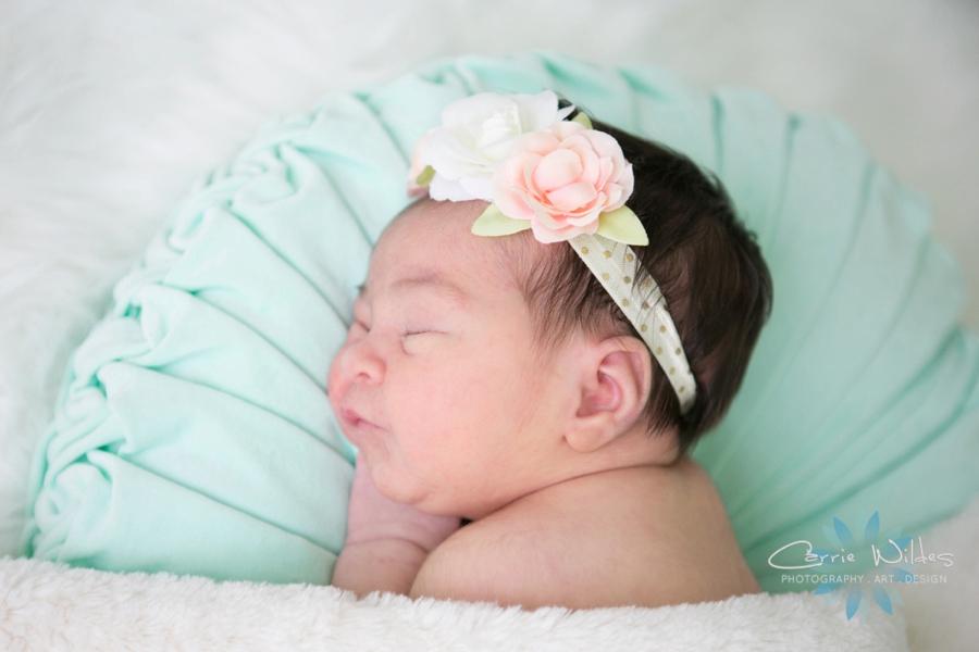 9_5_18 Mireia Tampa Lifestyle Newborn Portraits_0013.jpg
