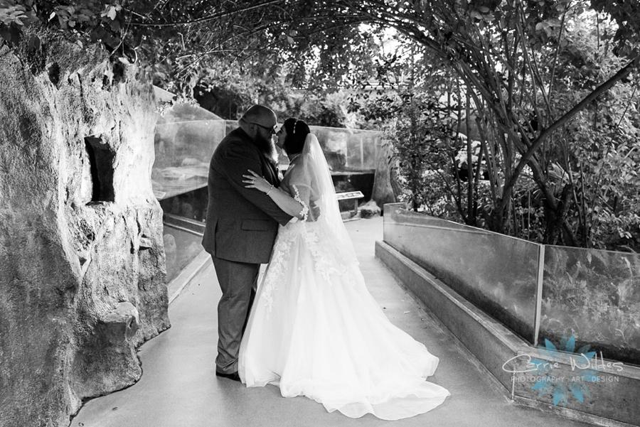 10_21_18 Emily and Bryan Florida Aquarium Wedding_0022.jpg