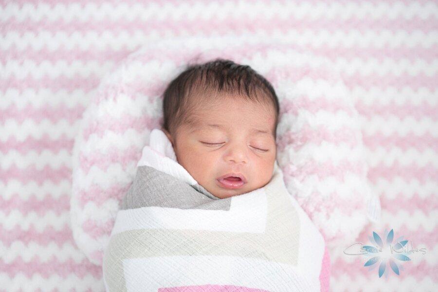 9_15_19 Selene Tampa Newborn Portraits_0004.jpg