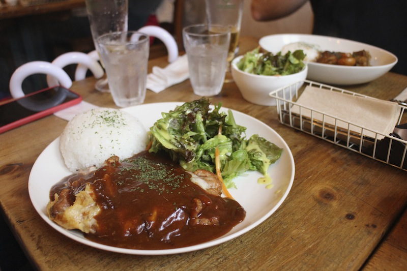 An odd marriage of chicken parmigiana and curry sauce.  I love the Italian skew that cafes in Japan take.