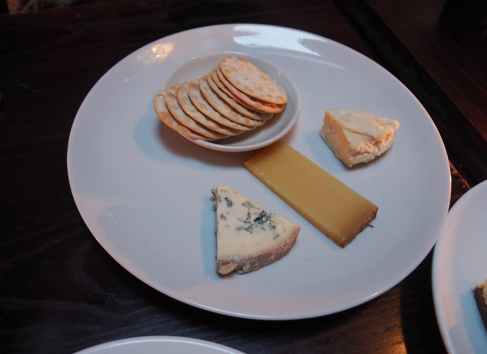 Cheese plate - Saint Felicien, Comte Reserve, Bavarian Blue