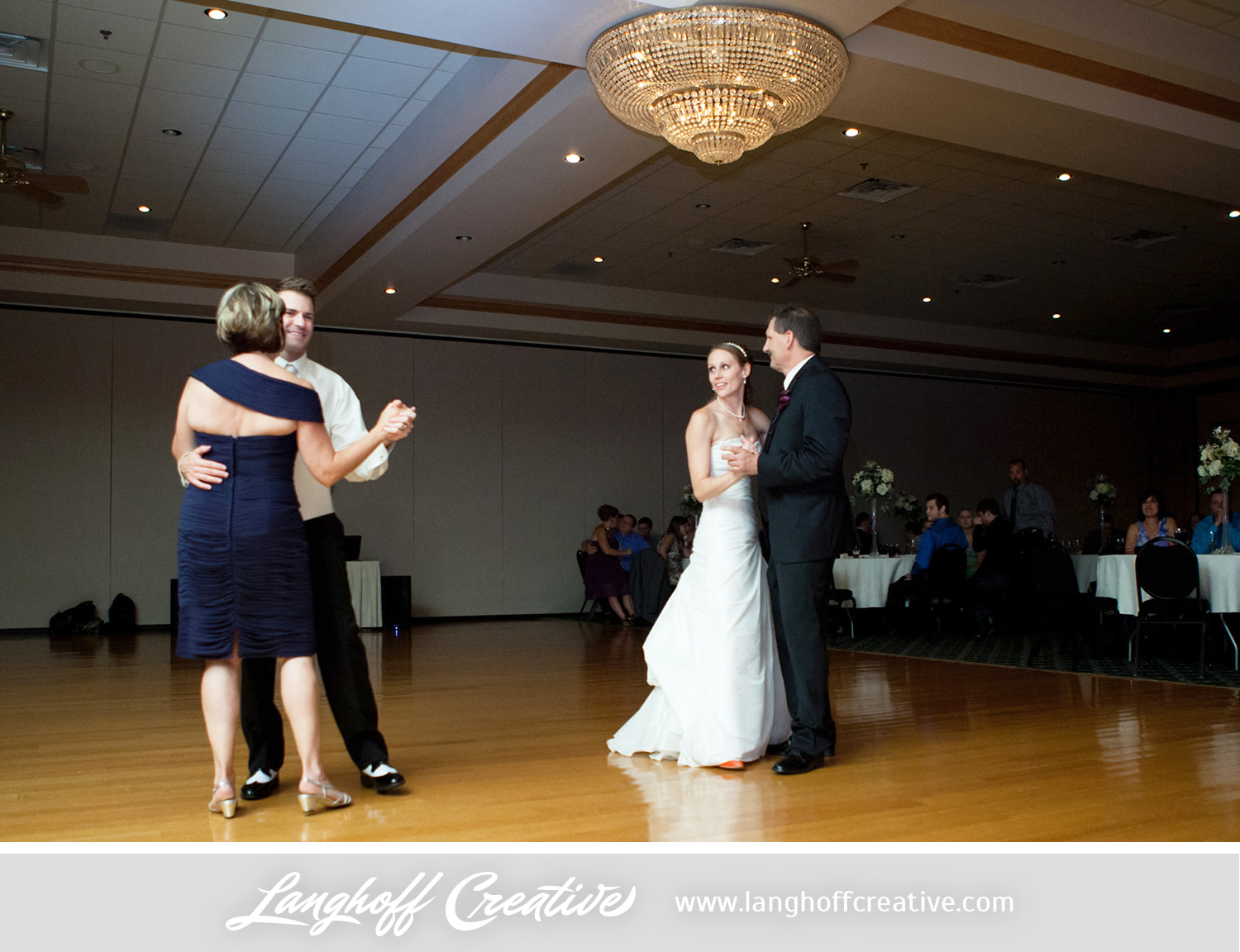 PlainfieldWedding-2013-LanghoffCreative-MattErin-26-photo.jpg