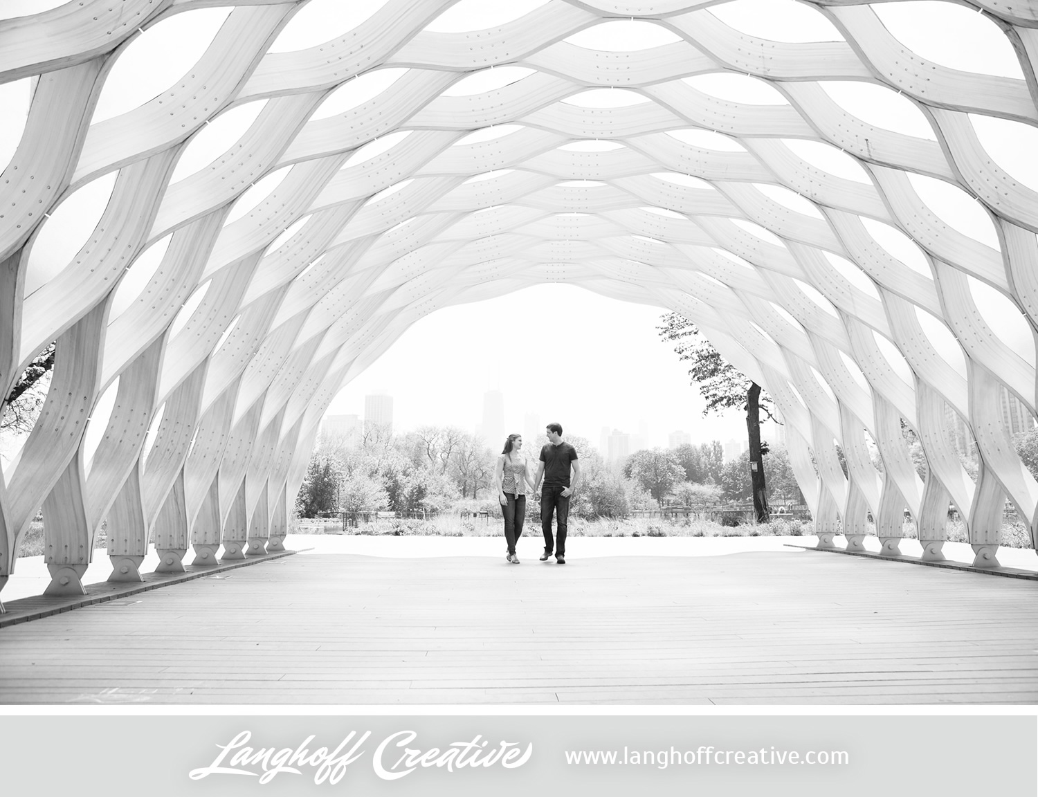 ChicagoEngagement-LincolnParkZoo-Engaged-LanghoffCreative-DestinationWeddingPhotographers-2014-ZacRachel-10-photo.jpg