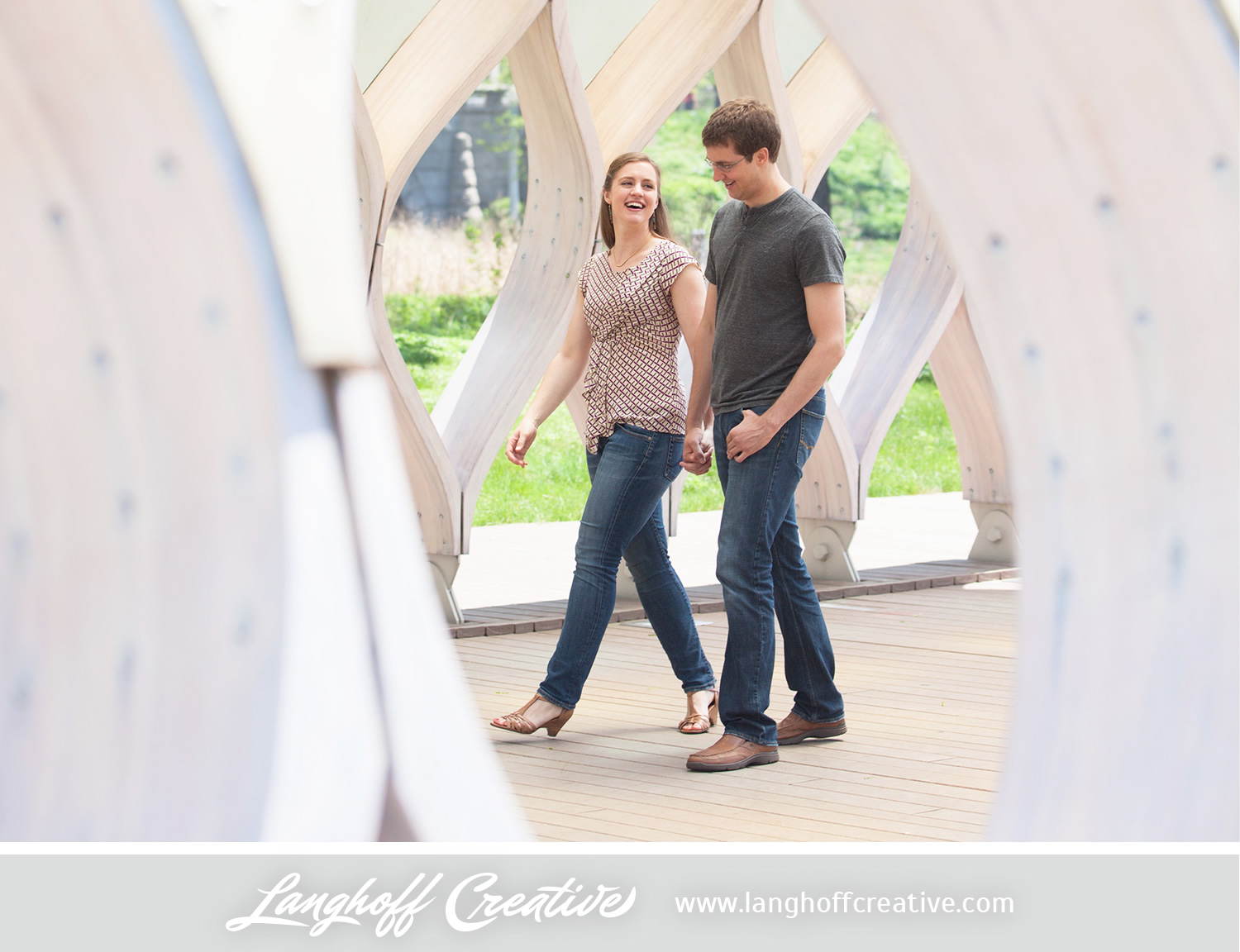 ChicagoEngagement-LincolnParkZoo-Engaged-LanghoffCreative-DestinationWeddingPhotographers-2014-ZacRachel-12-photo.jpg