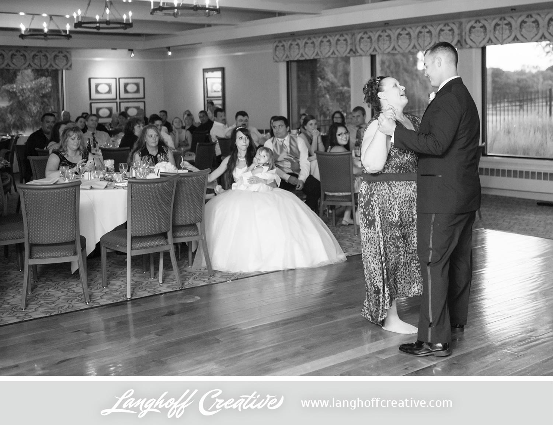 WisconsinWedding-WeddingPhotography-KenoshaCountryClub-LanghoffCreative-35-photo.jpg