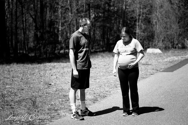LanghoffCreative-MaternitySession-RaleighFamilyPhotography-DocumentaryFamilyPhotography-RaleighMaternity-DayInTheLife-RealLifeSession-Oakley-4-photo.jpg