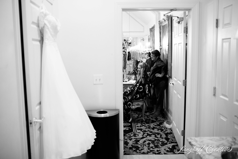 LanghoffCreative-AmberLanghoff-Wedding-DocumentaryFamilyPhotography-NCphotographer-DocumentaryPhotographer-RaleighDurham-JaredJennifer-1-photo.jpg
