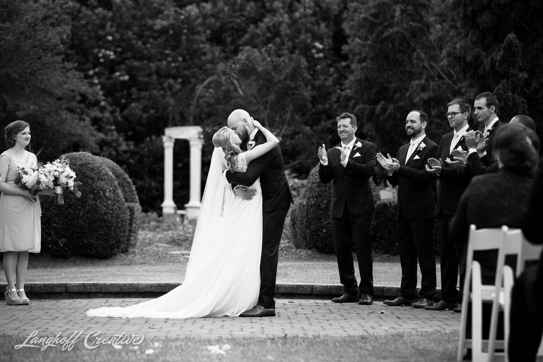 LanghoffCreative-AmberLanghoff-Wedding-DocumentaryFamilyPhotography-NCphotographer-DocumentaryPhotographer-RaleighDurham-JaredJennifer-8-photo.jpg