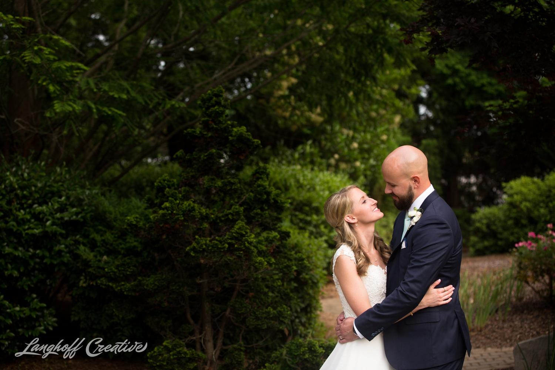 LanghoffCreative-AmberLanghoff-Wedding-DocumentaryFamilyPhotography-NCphotographer-DocumentaryPhotographer-RaleighDurham-JaredJennifer-13-photo.jpg