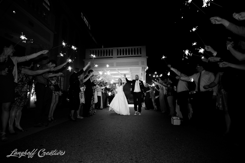 LanghoffCreative-AmberLanghoff-Wedding-DocumentaryFamilyPhotography-NCphotographer-DocumentaryPhotographer-RaleighDurham-JaredJennifer-20-photo.jpg