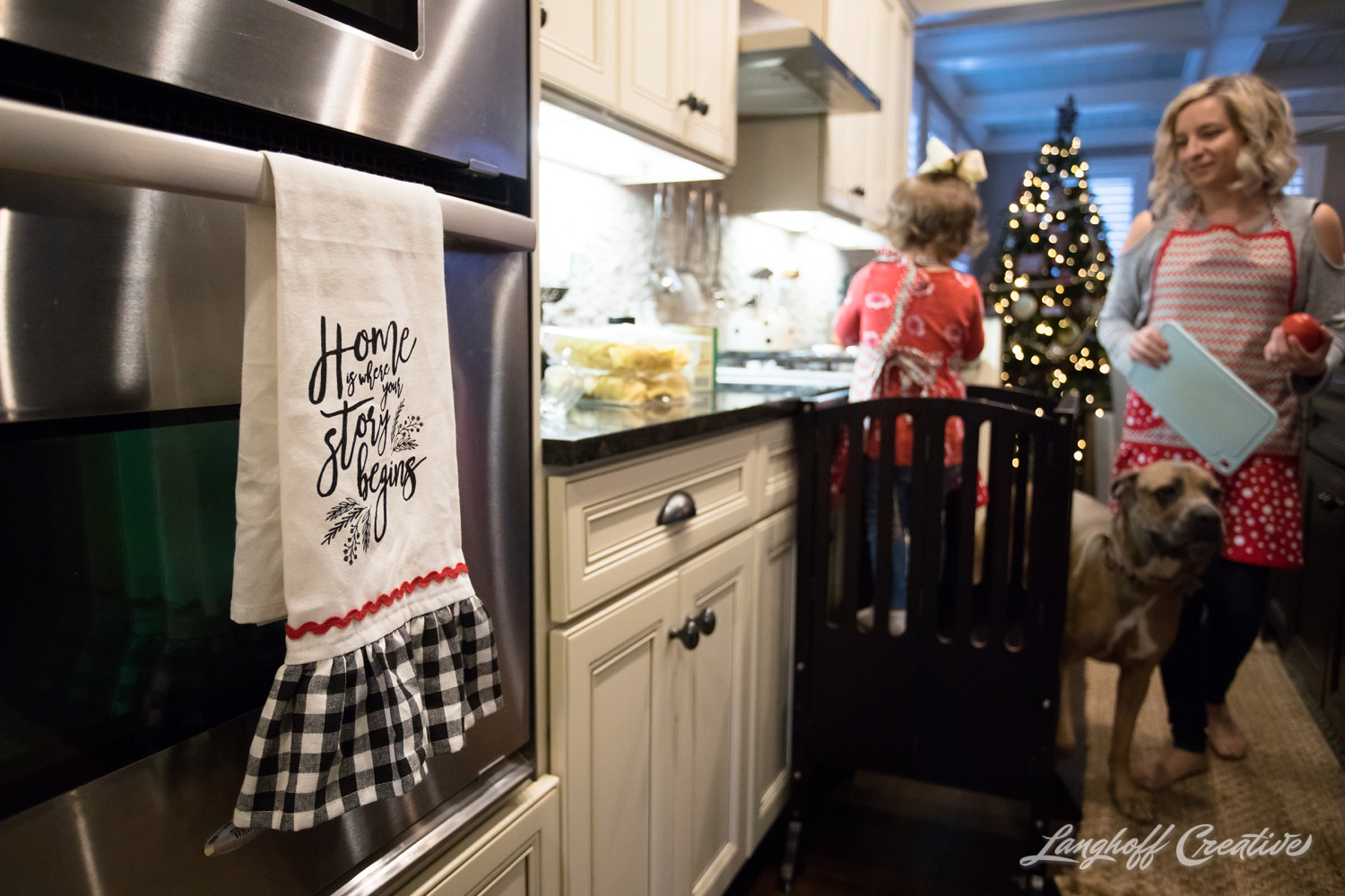 20171125-McGrathChristmas-DayInTheLife-Holidays-LanghoffCreative-RealLifeSession-DocumentaryFamilyPhotography-RDUphotographer-23-photo.jpg