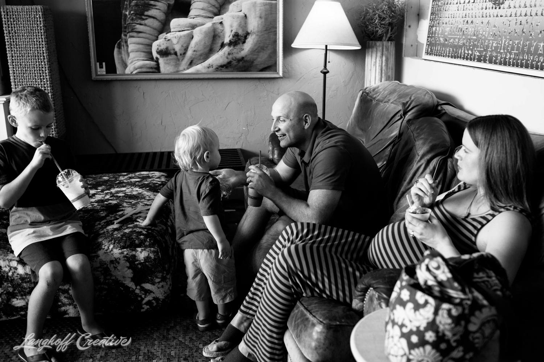 DocumentaryFamilySession-DocumentaryFamilyPhotography-RDUfamily-MaternitySession-LanghoffCreative-EberleFamily-Jul2017-7-image.jpg