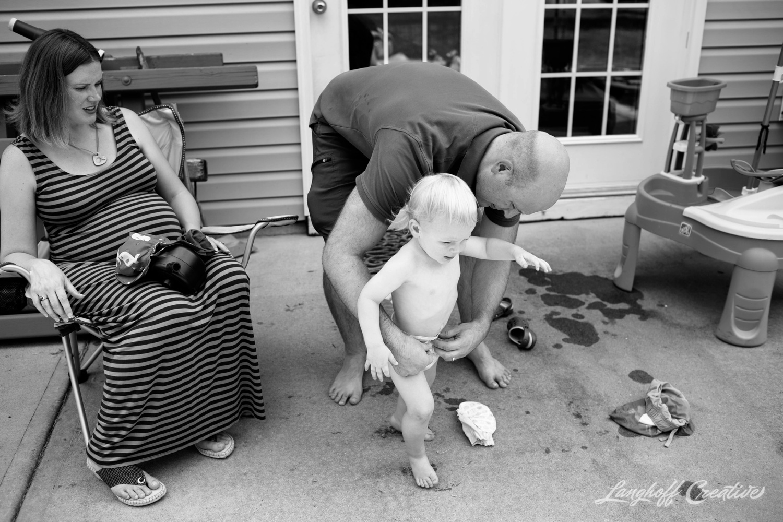 DocumentaryFamilySession-DocumentaryFamilyPhotography-RDUfamily-MaternitySession-LanghoffCreative-EberleFamily-Jul2017-18-image.jpg
