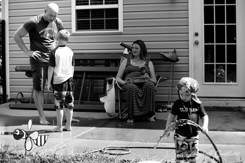 DocumentaryFamilySession-DocumentaryFamilyPhotography-RDUfamily-MaternitySession-LanghoffCreative-EberleFamily-Jul2017-22-image.jpg