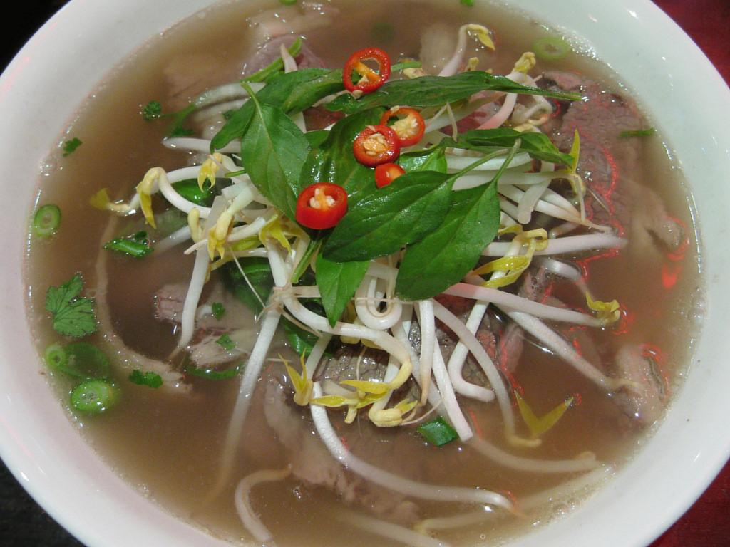 Pho-Beef-Noodle-Soup-2008.jpg