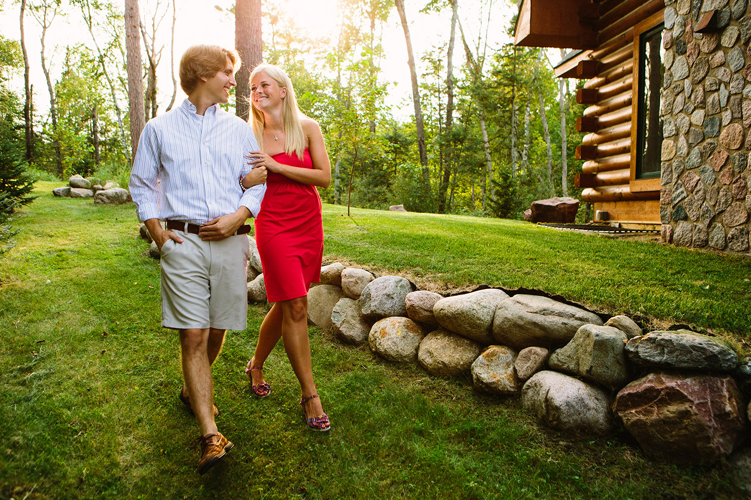 08-minnesota-lake-home-engagement-session-crosslake.jpg