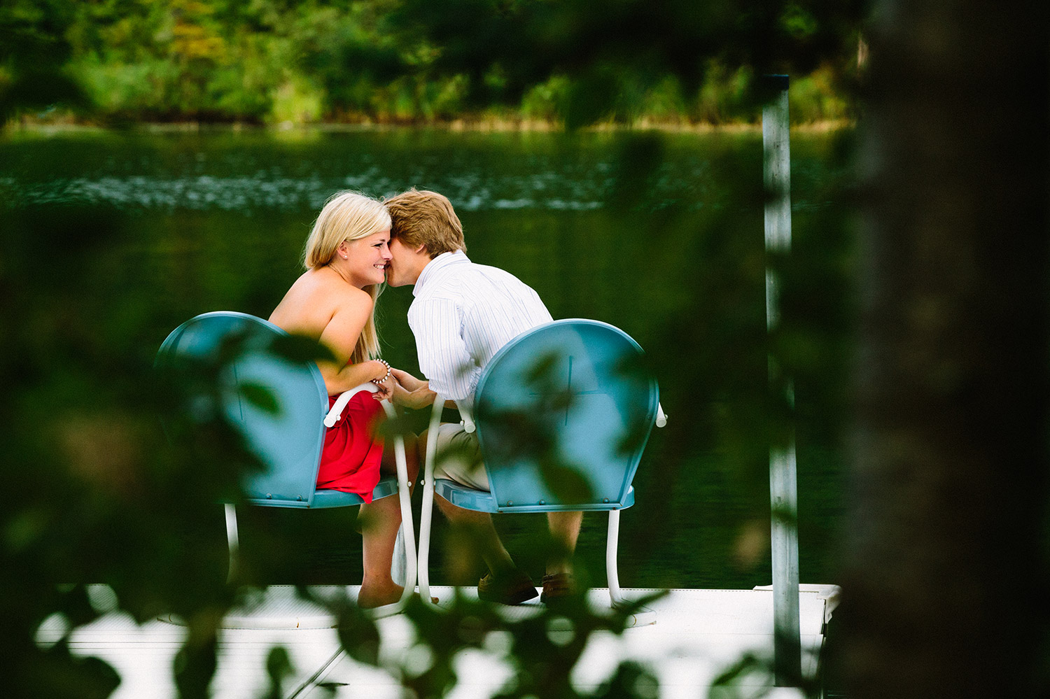10-minnesota-lake-home-engagement-session-crosslake.jpg
