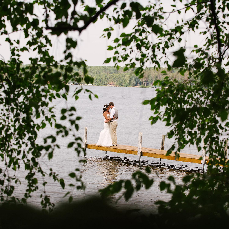 48craguns-resort-lakeside-wedding.jpg