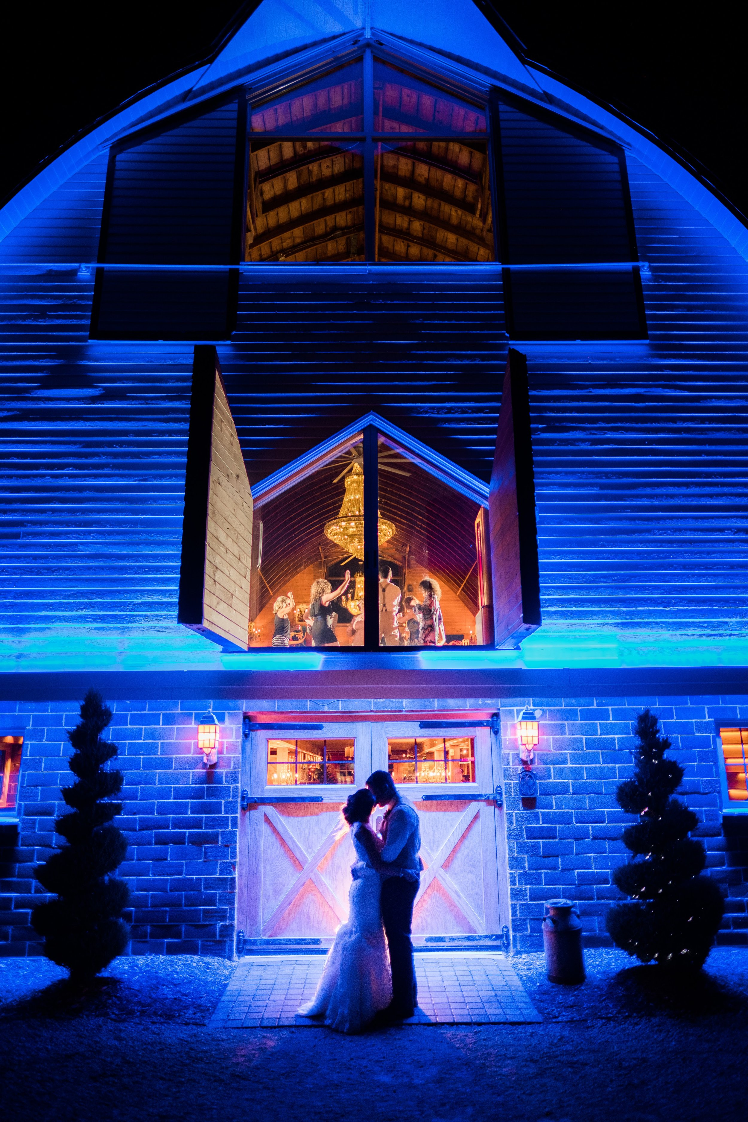 Twin Cities Wedding photographer at Green Acres Event Center