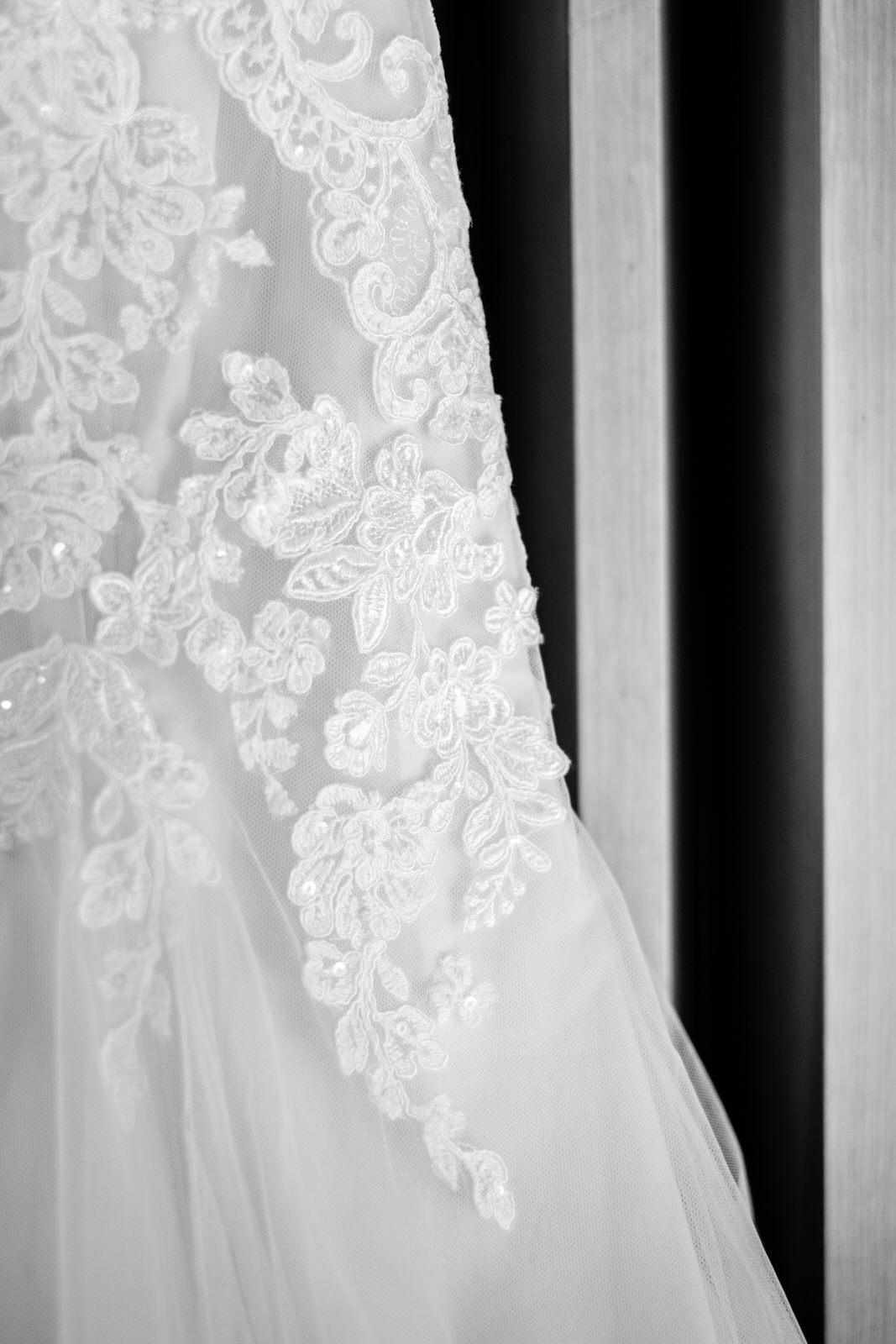 wedding dress in grand marais, mn winter wedding
