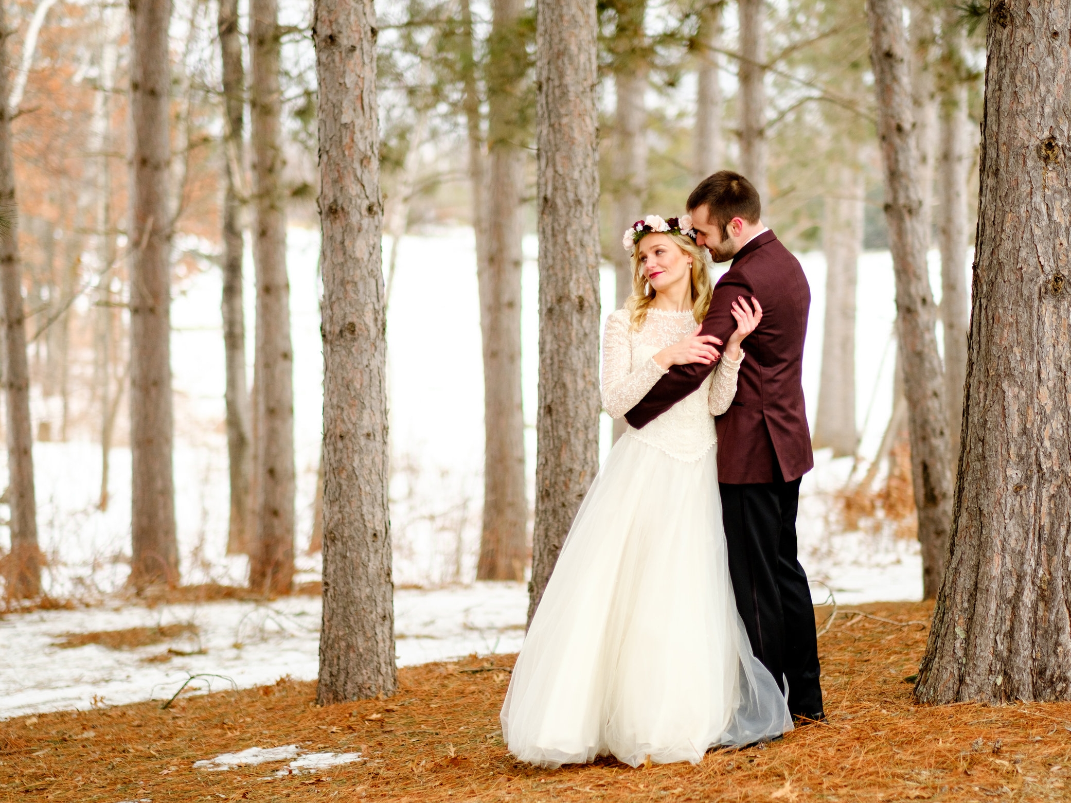 brainerd wedding images in the winter at cragun's resort