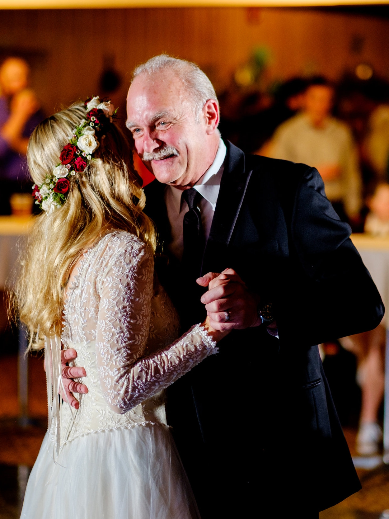 boho wedding father daughter dance at cragun's resort