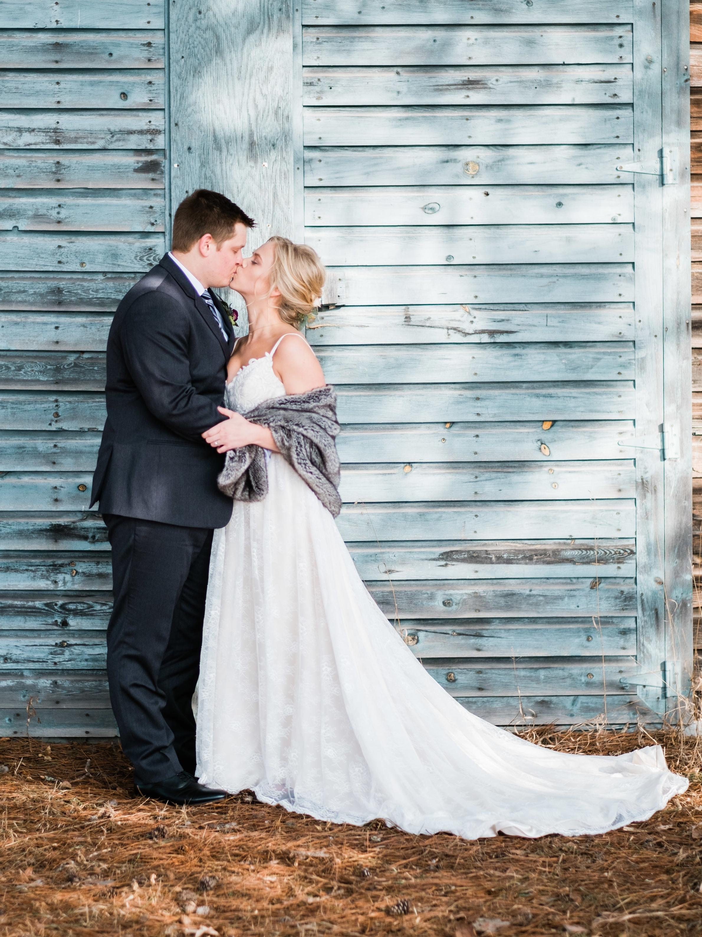 northern mn barn wedding