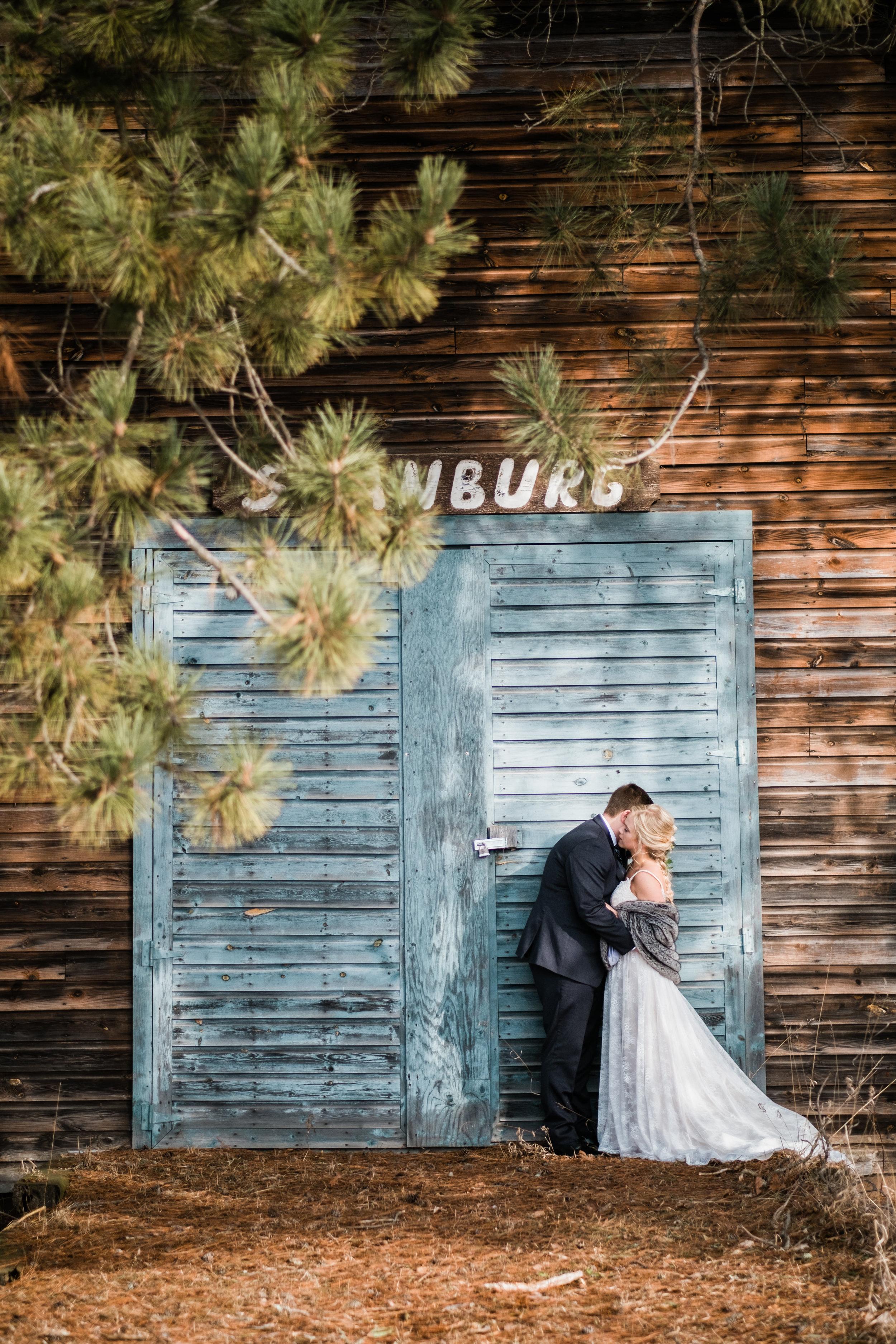 northern mn barn wedding near crosslake
