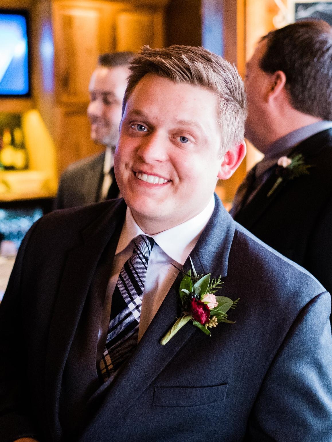 pine peaks wedding photogapher groom portraits