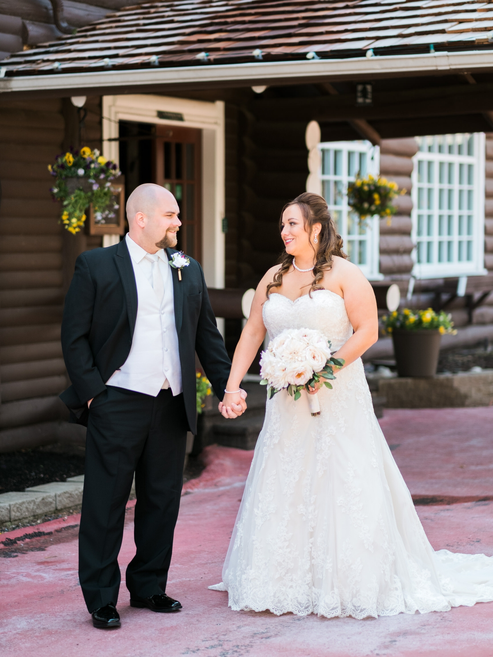 Minnesota classic lakeside wedding at Grand View Lodge