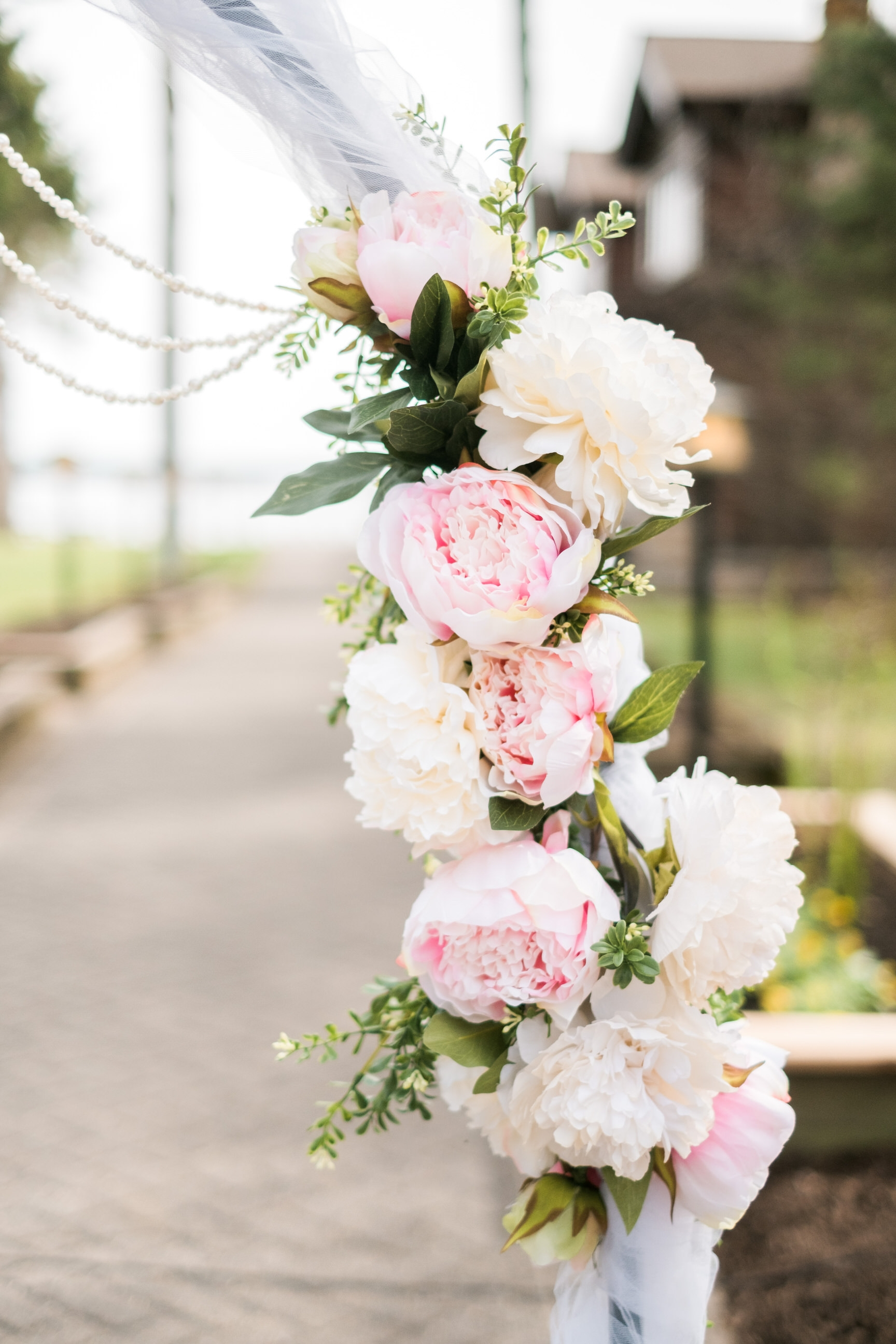 Lakeside wedding ceremony at Grand View Lodge in Nisswa, MN
