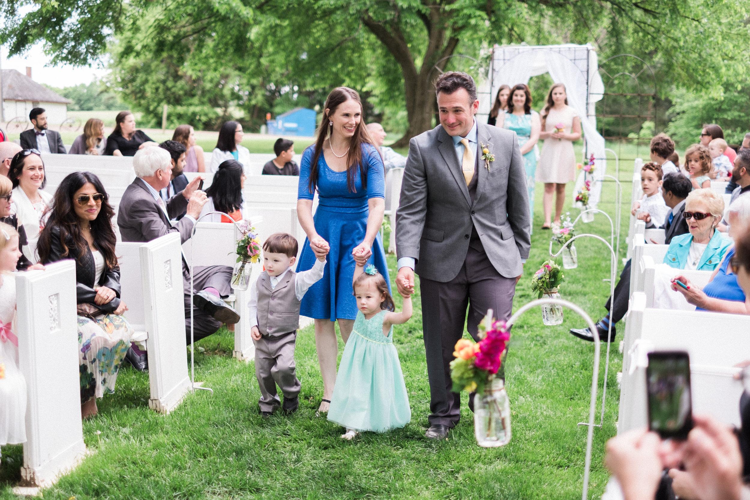 Outdoor Barn wedding in Northern MN at Bloom Lake Barn