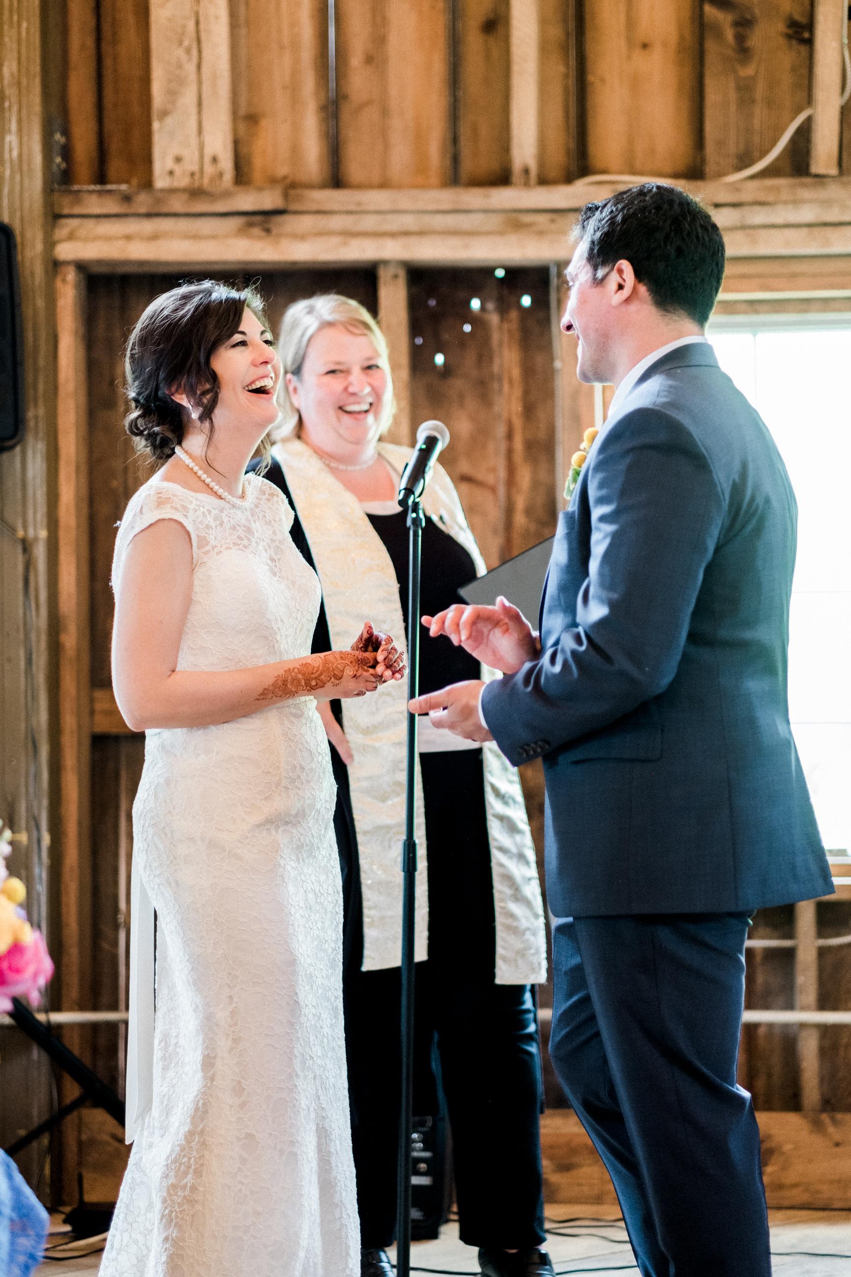 Minnesota Barn wedding photographer at Bloom Lake Barn in Shafer, MN