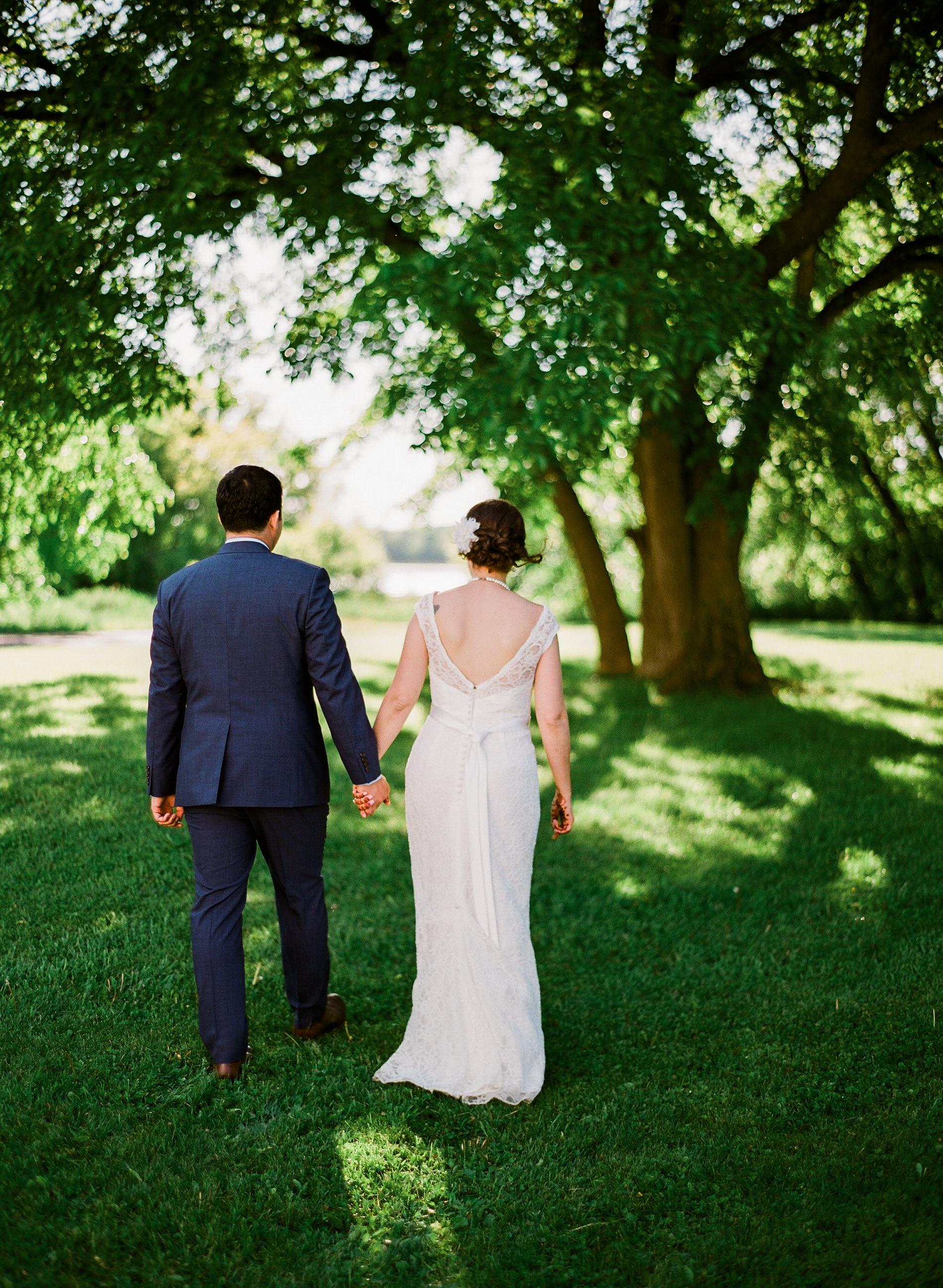 Minnesota Barn wedding at Bloom Lake Barn in Shafer
