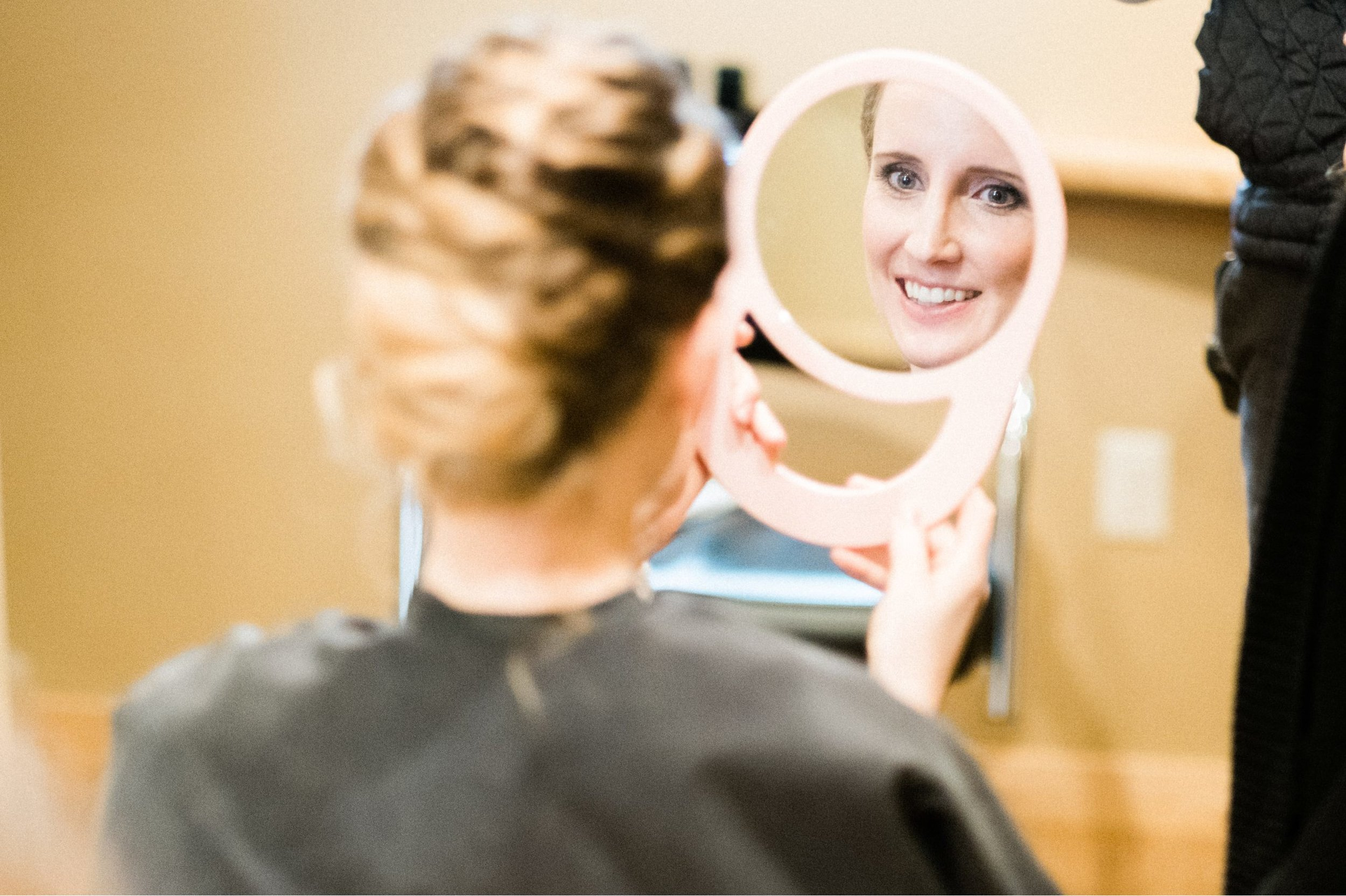 Bride getting ready at Pine Peaks with Captivating Beauty