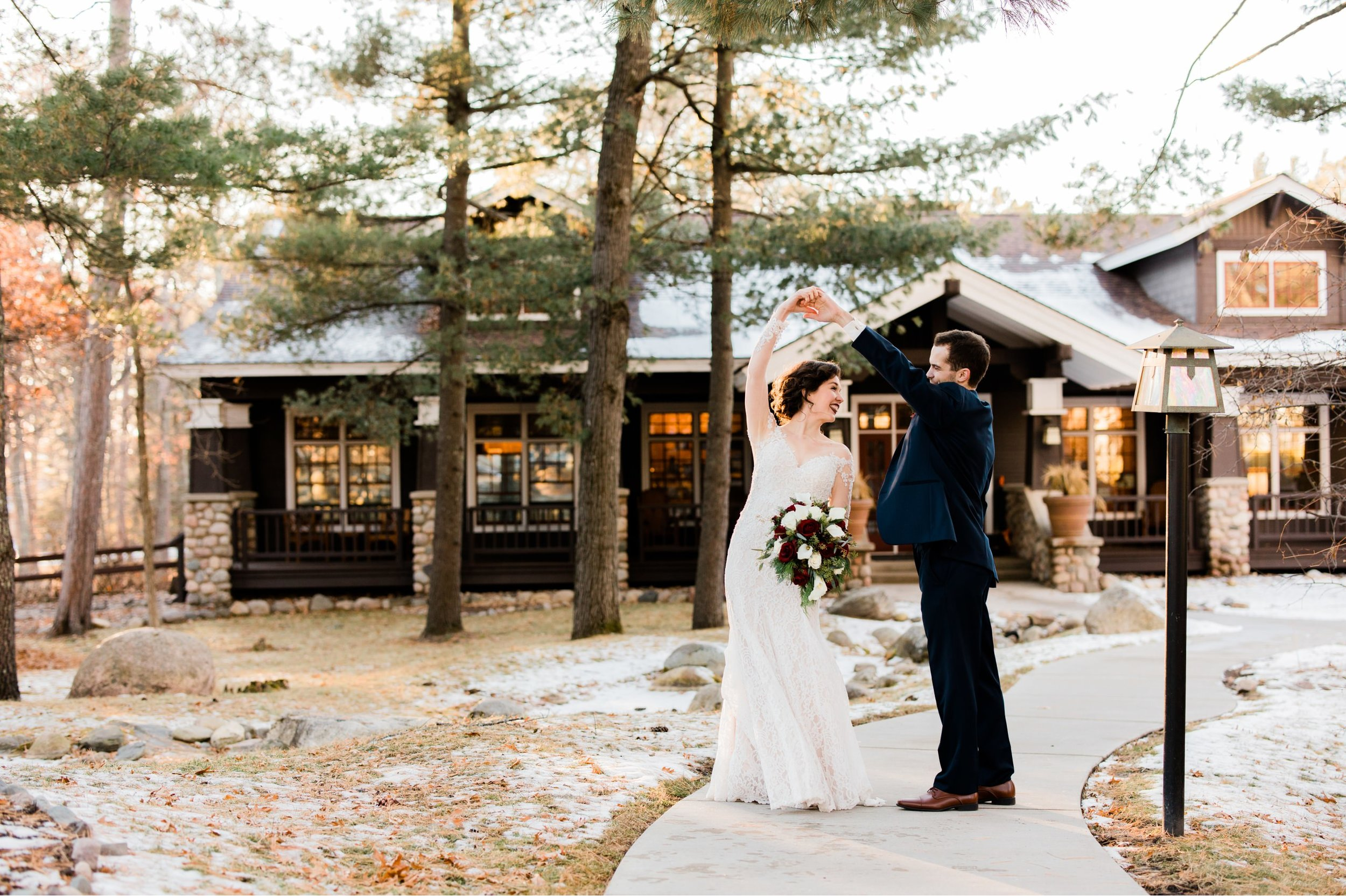 Grand View Lodge winter wedding in Nisswa, MN