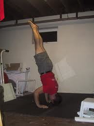 """Freestanding HSPU - and Yes! the body still stays """"hollow"""" and tight"""