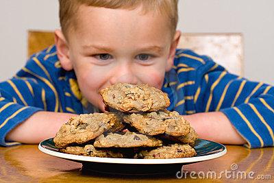 child-cookies-11757586.jpg