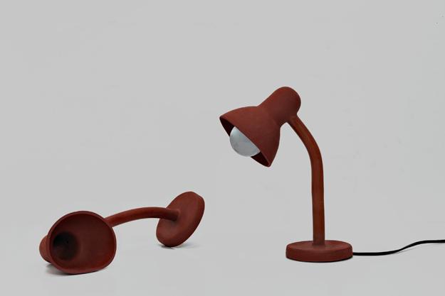 Luminária de Borracha para mesas, do designer Thomas Schnur.