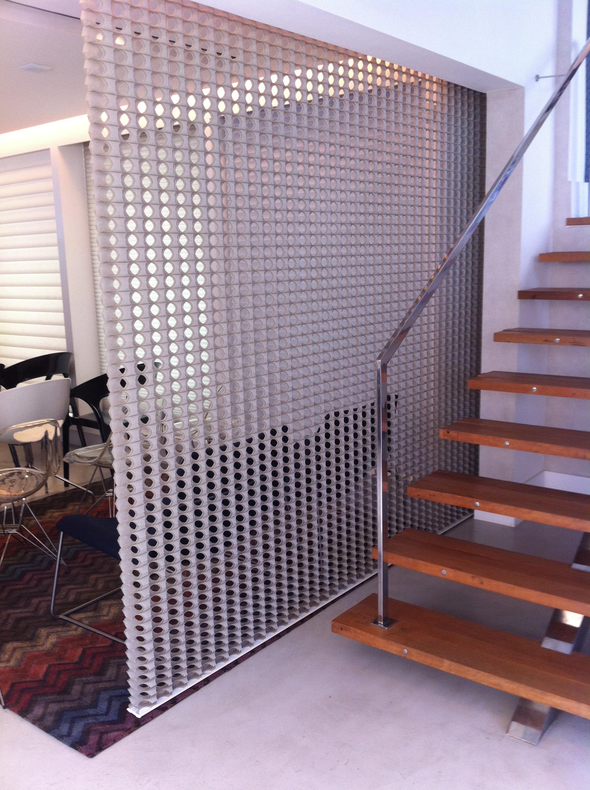 Instalação da Parametre da Luxaflex na loja Wallcovering do Tatuapé -   Fonte: Madi Arquitetura