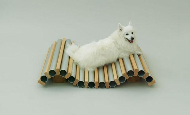 Foto da chaise long do Hiroshi Naito - Fonte: designerhttp://casavogue.globo.com/Design/noticia/2012/11/arquitetura-cachorros.html