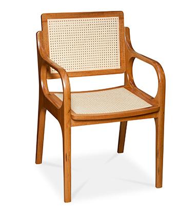 Cadeira Angela, da Designer Aída Boal, à venda na Dpot. A unidade sai por 2.901,00.  Foto: Shopping D&D