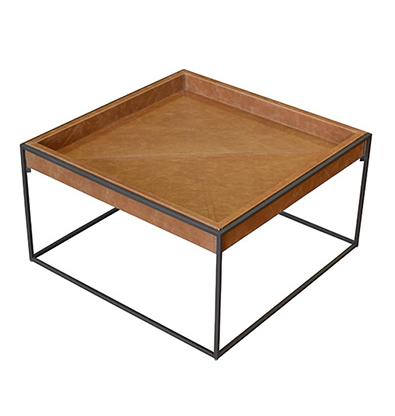 Mesa Peão, da Designer Larissa Diegoli, à venda na Clami. O valor desta peça sai por R$ 1.698,45.  Fonte: Shopping D&D