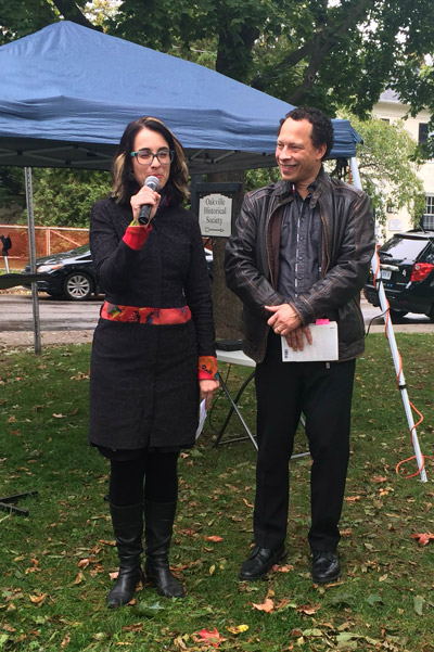 Project Bookmark Canada founder Miranda Hill with author Lawrence Hill at the October 5, 2015 unveiling.